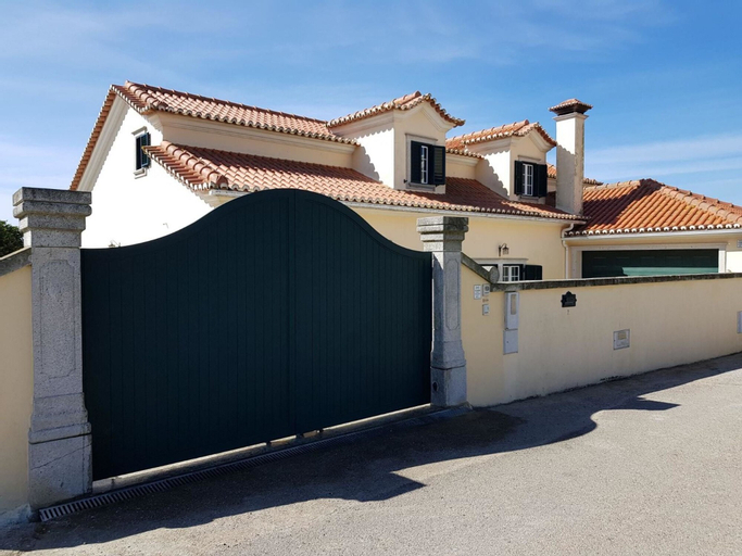 Villa With 4 Bedrooms in Abelheira, With Wonderful sea View, Enclosed, Lourinhã