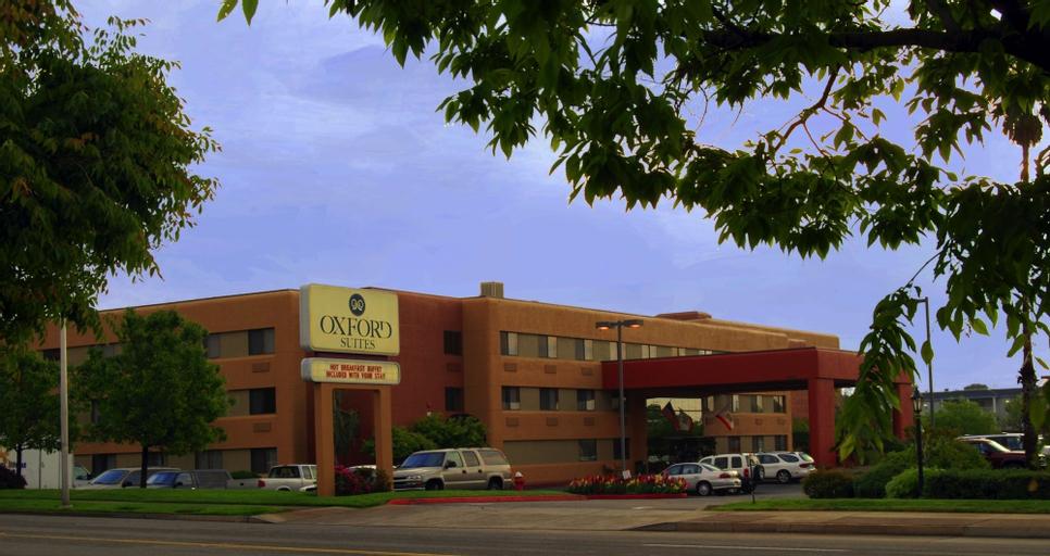 Oxford Suites Redding, Shasta
