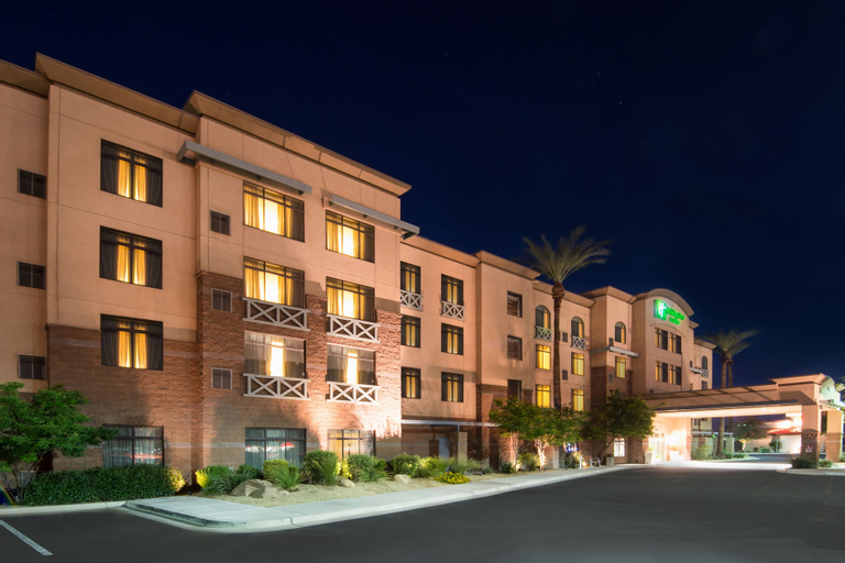 Holiday Inn Hotel Suites Goodyear, Maricopa