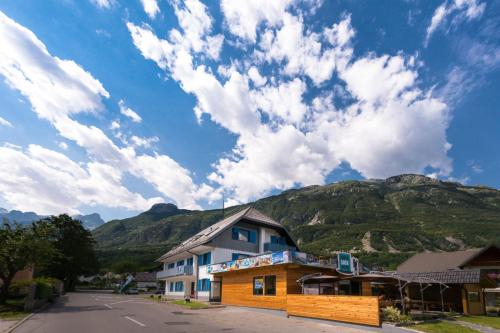 Hostel Soca Rocks, Bovec