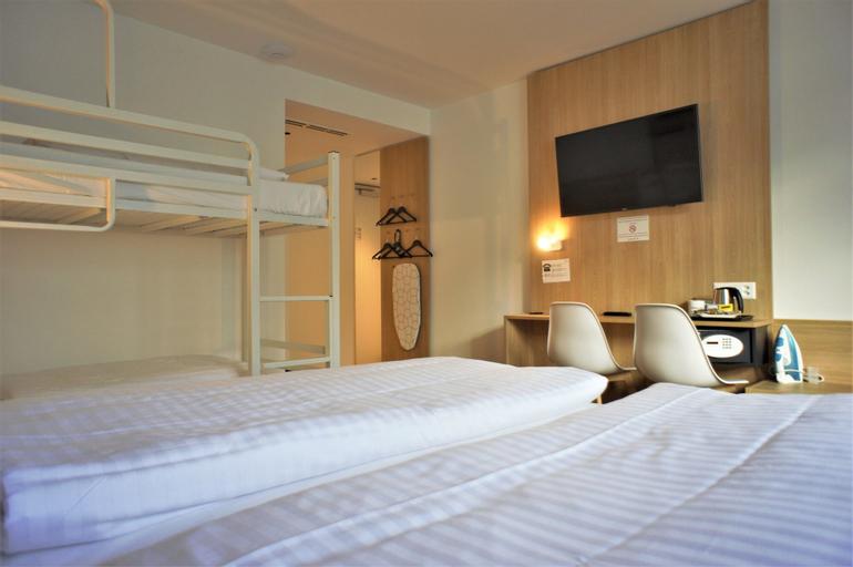 Hotel Lausanne by Fassbind **, Lausanne