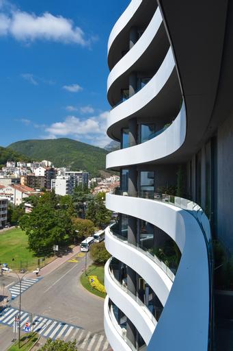 ROYAL GARDENS Apartments,