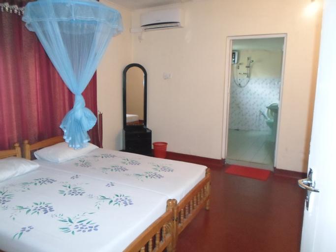 Indrani Inn, N. Palatha East
