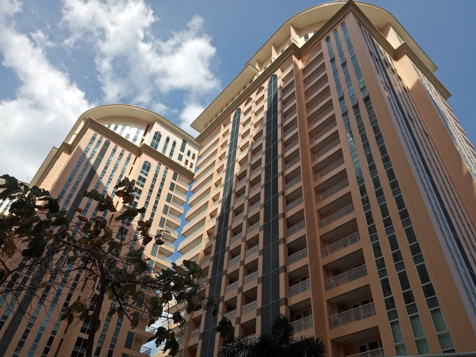 Venice Mall Area McKinley Hill Taguig BGC, Makati City