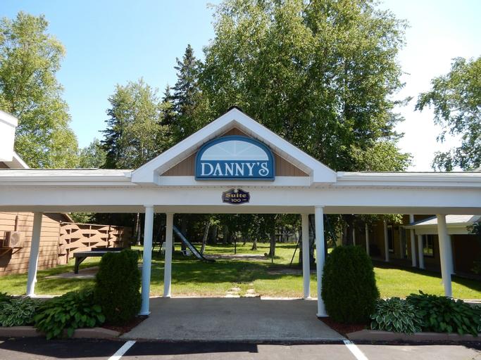 Danny's Hotel Suites Events Center, Gloucester