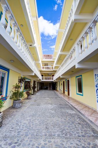 HC Blau Mar Hostel & Hotel, Tola