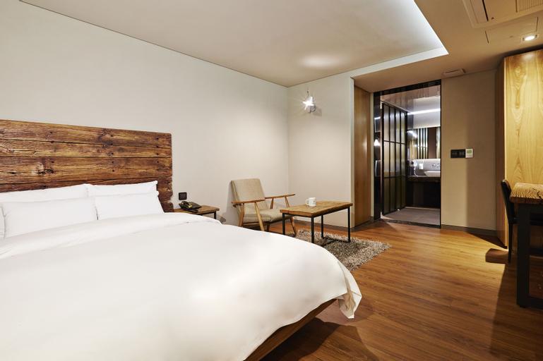 E-HOTEL, Seocho