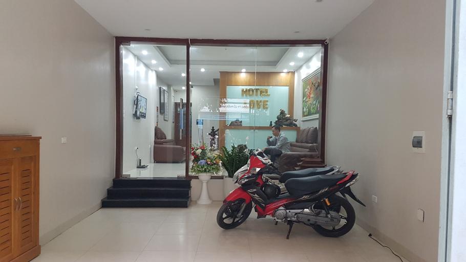 Love Hotel, Hà Đông