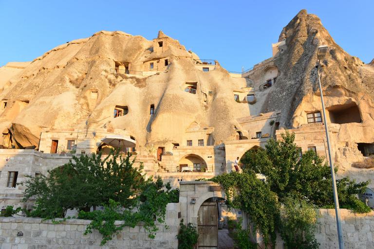 Village Cave House Hotel, Merkez