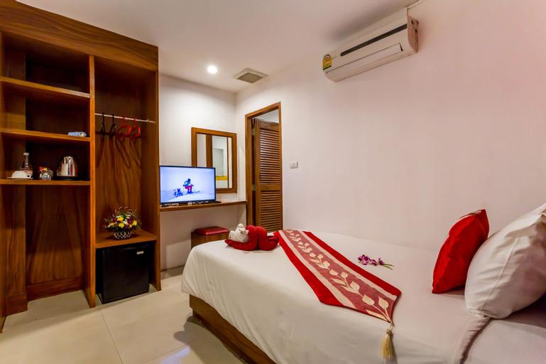 PJ Patong Resortel, Pulau Phuket