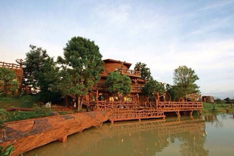 Timberland and Fruit Resort, Suan Phung