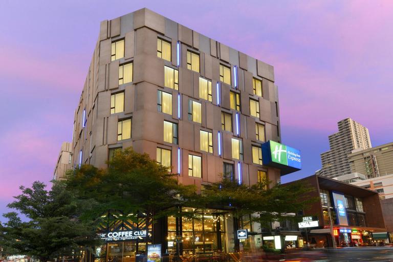 Holiday Inn Express Bangkok Sukhumvit 11, Wattana