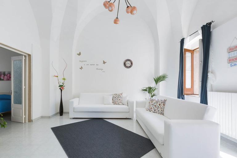 Casa Angiulina, Brindisi