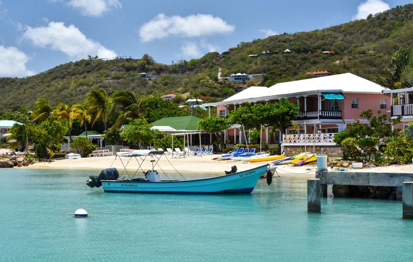 Catamaran Hotel Marina,