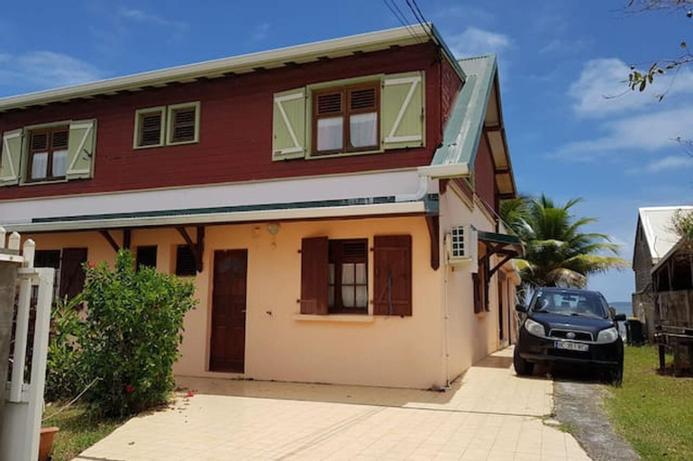 House With 2 Bedrooms in La Trinité, With Wonderful sea View, Enclosed Garden and Wifi - 200 m From the Beach, La Trinité