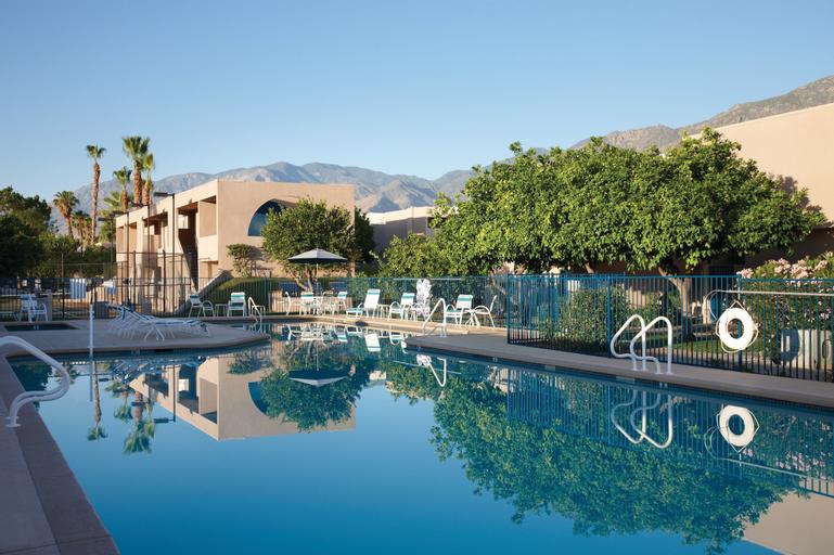 Vista Mirage Resort, Riverside