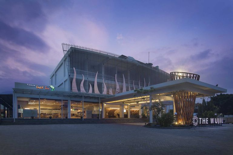 The Wujil Resort and Conventions Semarang, Semarang