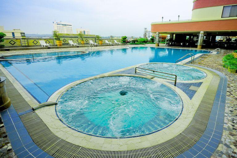 Planet Holiday Hotel & Residence, Batam
