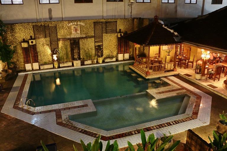 Taman Sari Resort Legian Hostel, Badung