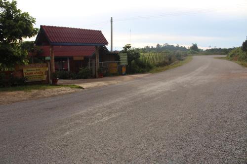 Phosy Thalang Guesthouse, Nakai