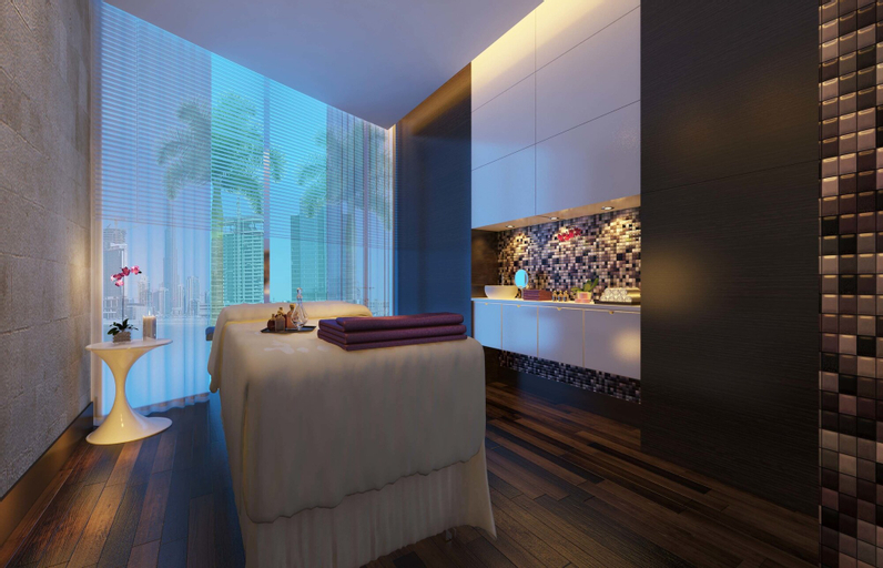 Radisson Blu Hotel, Dubai Waterfront,