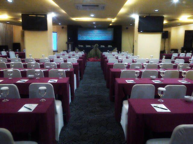 Lynt Hotel Makassar, Makassar