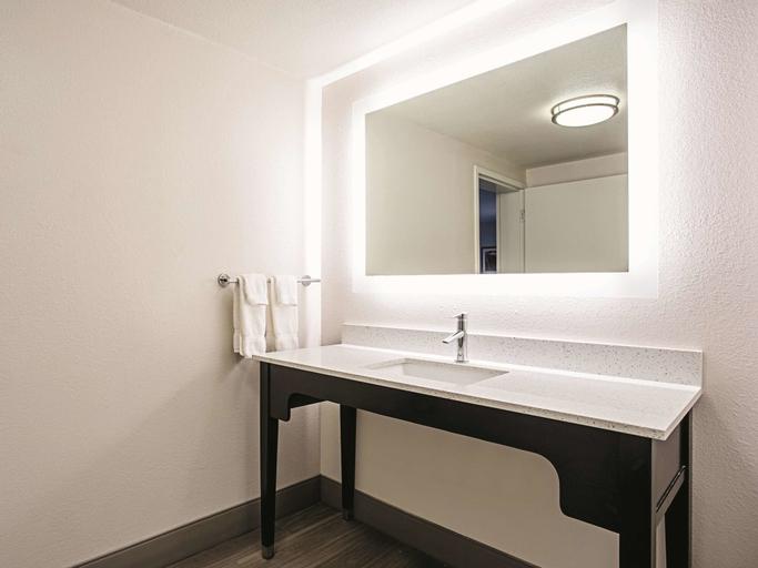 La Quinta Inn & Suites by Wyndham Baltimore N / White Marsh (Pet-friendly), Baltimore