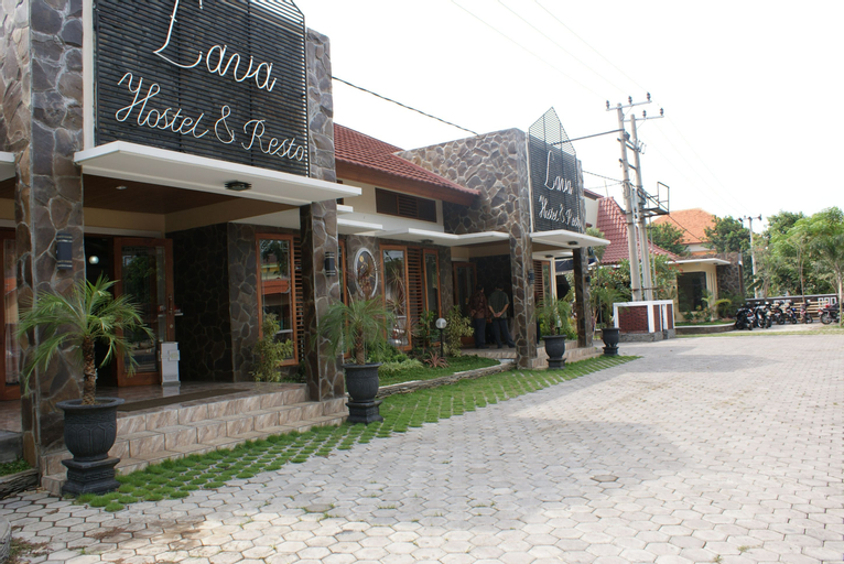 Lavalava Hostel and Resto, Probolinggo