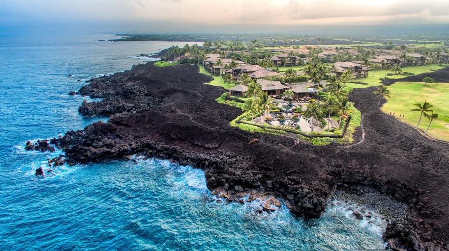 Castle Halii Kai at Waikoloa, Hawaii