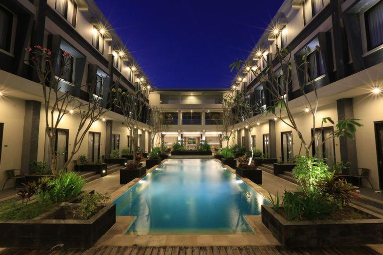 ILLIRA Lite Praya Lombok, Lombok