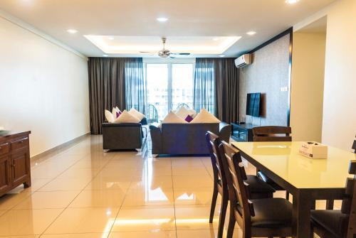 Summerton Luxury Suite by D Imperio Homestay Penang, Barat Daya