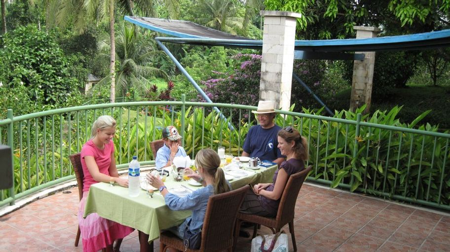 Hotel Deli River and Restaurant Omlandia, Deli Serdang
