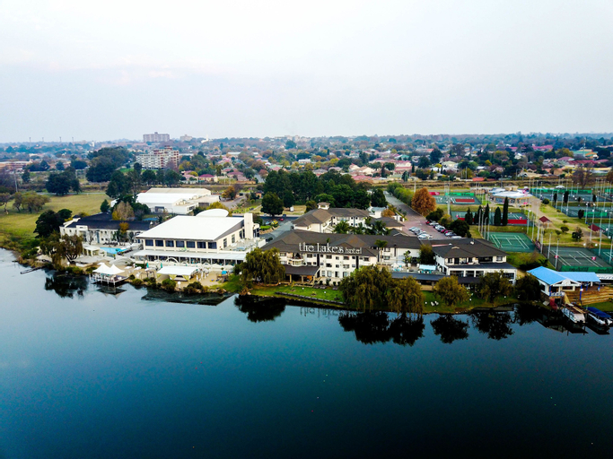 The Lakes Hotel and Conference Centre, Ekurhuleni
