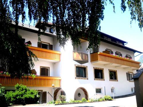 Pension & Residence Josefsheim-Freiberghof, Bolzano
