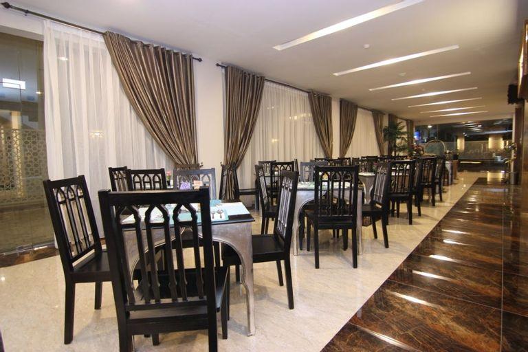 Grand Amira Hotel Solo, Solo