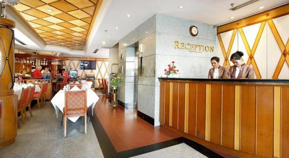 Majestic Suites, Khlong Toey