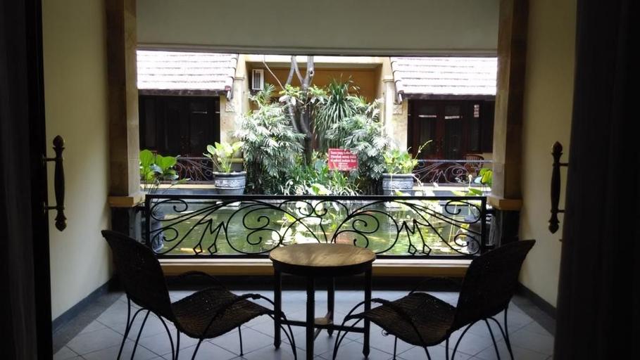 Hotel Lotus Garden Kediri, Kediri
