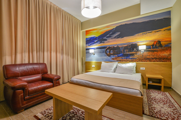 Hotel Lirak,