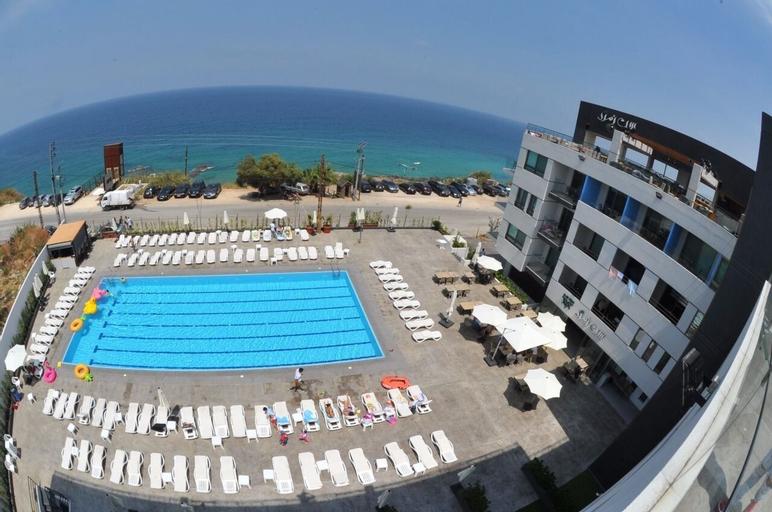 Le Six Resort Hotel, Batroun
