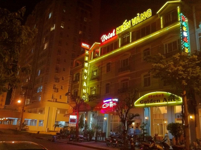 Golden Ant Hotel, Quận 7