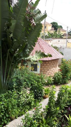 Flowers Paradise Lodge Kololi, Kanifing