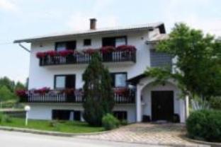 House Tina, Rakovica