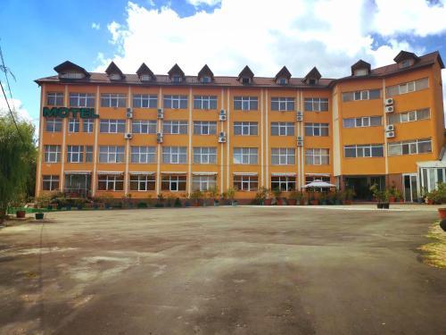 Hotel Dinastia, Bascov