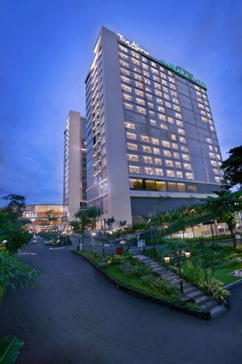 The Alana Yogyakarta Hotel and Convention Center, Sleman