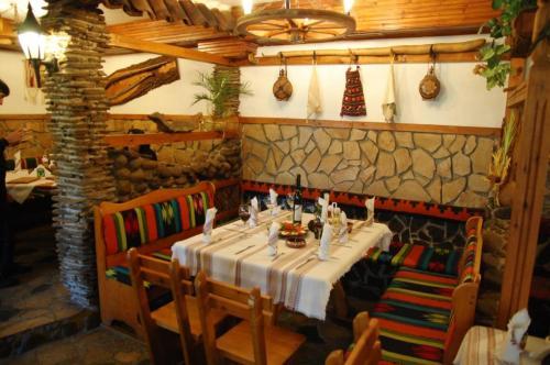 Balkanski chanove, Botevgrad