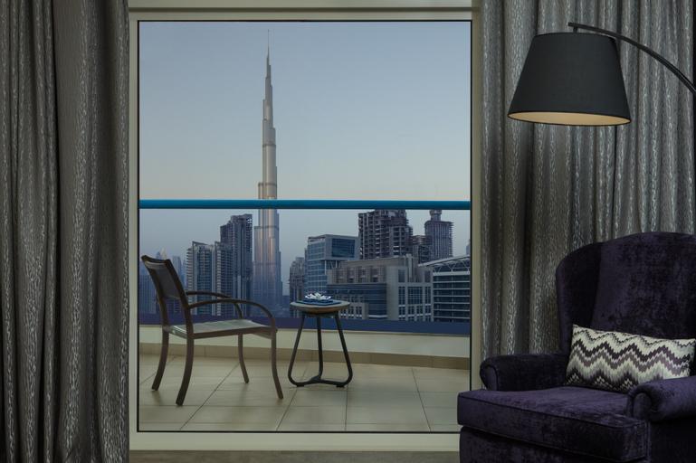 Radisson Blu Hotel Dubai Waterfront,
