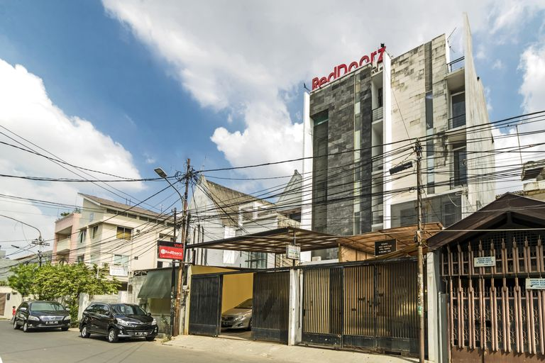 RedDoorz Plus @ Pasar Baru, Central Jakarta