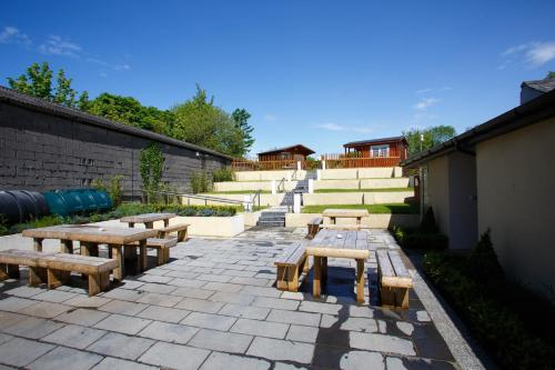 Giltraps Townhouse & Glamping,