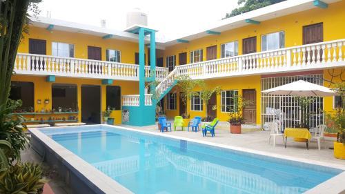 Hotel y Restaurante Villa Jazmines, Flores