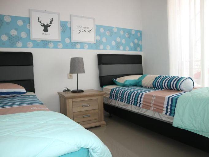 Villa Poermira 1 (3 Bedroom), Malang